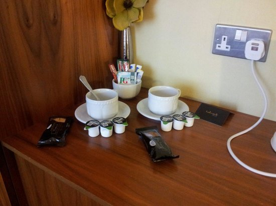 Hallmark Hotel Spa and Leisure Club: Tea and coffee facilities