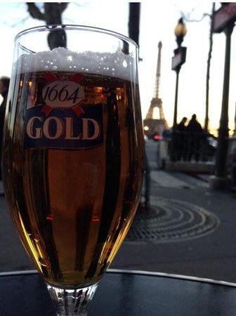Chez Francis : Cerveza + Torre Eiffel