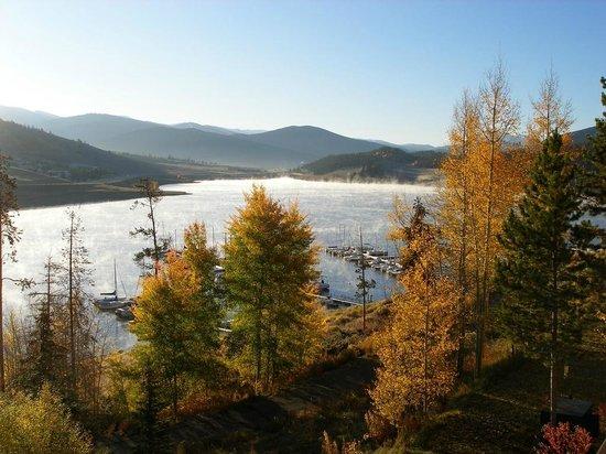 Dillon Reservoir: Fall colors!