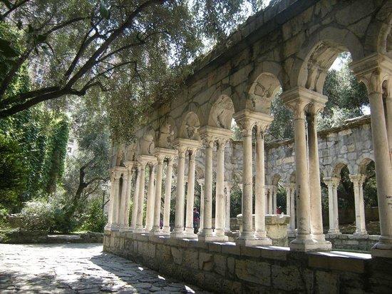 Torri di Porta Soprana: chiostro di Sant'Andrea2