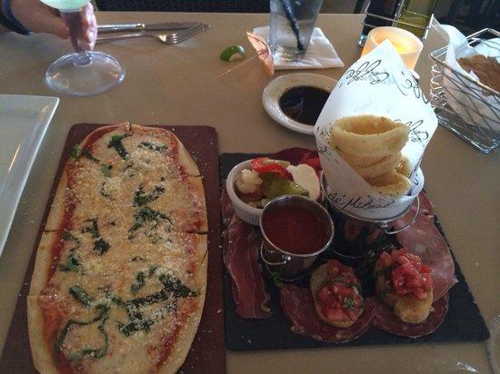 Caffé Milano : Great happy hour food!