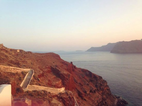 Esperas: Looking down at amoudi bay