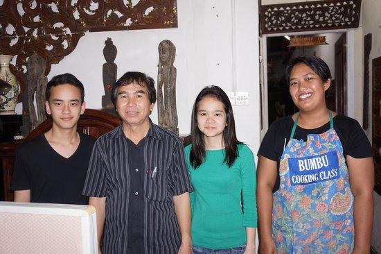 Bumbu Cooking Class : Joseph and his family