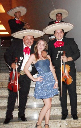 Grand Sirenis Riviera Maya Resort & Spa : Mariachis