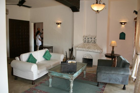 Mihir Garh : Room