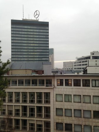 Hotel Crowne Plaza Berlin City Centre: Вид из окна на Европа центр