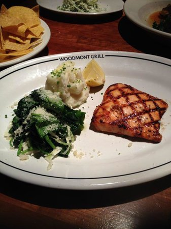 Woodmont Grill : Today's Salmon
