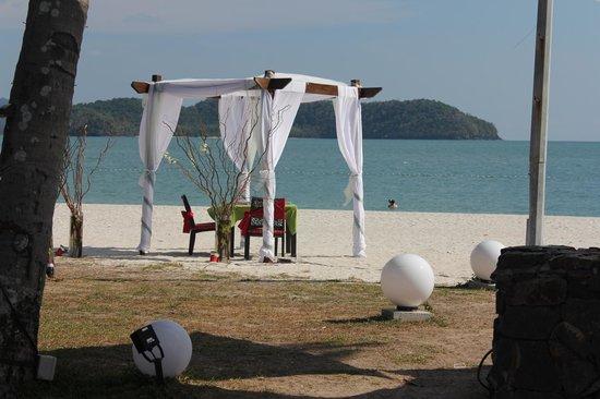 Meritus Pelangi Beach Resort & Spa, Langkawi: Nice location for a wedding or Vow Renewal