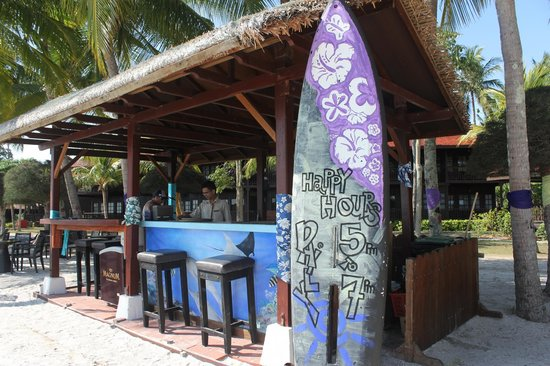 Meritus Pelangi Beach Resort & Spa, Langkawi: Pool Bar