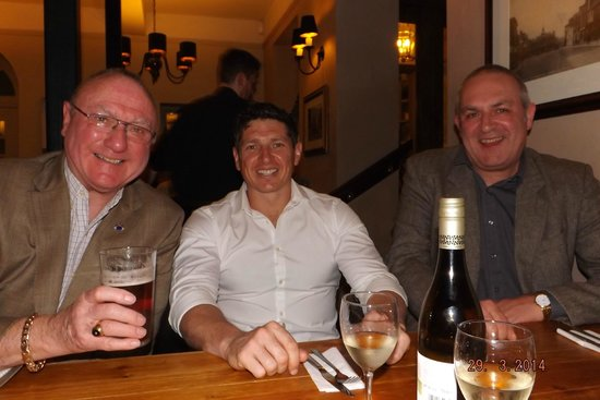The Saracens Head Hotel: Good Beer, Good Wine (Lot's of it) Saturday Evening.