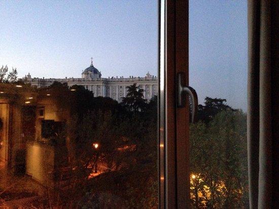 ApartoSuites Jardines de Sabatini: Vista desde la habitación