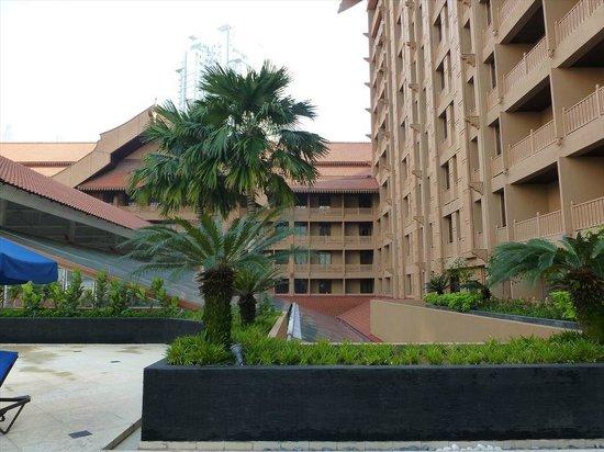 Royale Chulan Kuala Lumpur: Pool side