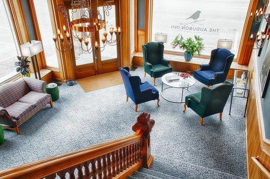 The Audubon Inn: Lobby from stairs