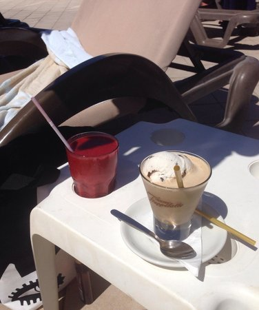 Las Costas : Smoothie and coffee macchiato, from the poolside bar. April 2014.