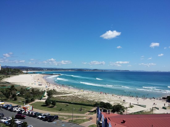 Komune Resort: unobstructed view all the way to surfers paradise