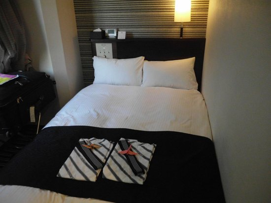 APA Hotel Roppongi Itchome Ekimae: small but good bed