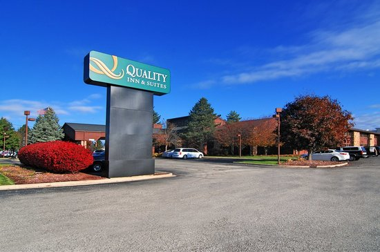 Quality Inn & Suites: Front
