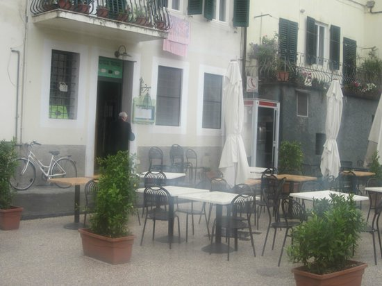 L 39 esterno del ristorante picture of la pecora nera for L esterno del ristorante sinonimo