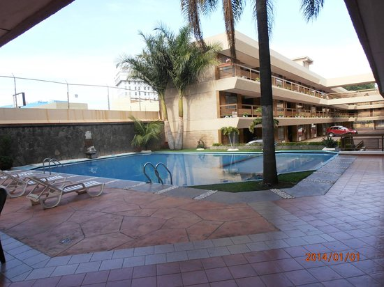Best Western Plus Plaza Florida & Tower: Bela piscina!