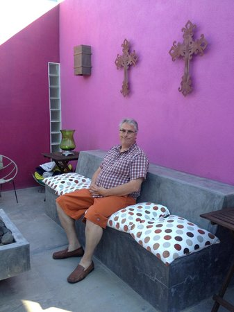 The Hotelito: my husband in the shared patio area