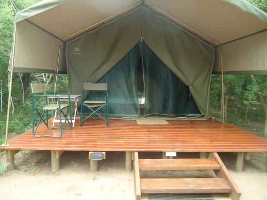 Tydon Bush Camp : A barraca que fiquei vista de fora