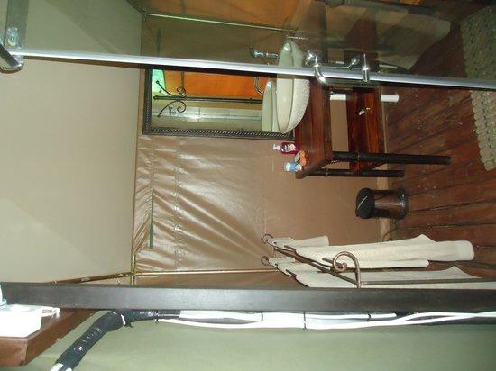 Tydon Bush Camp : Banheiro