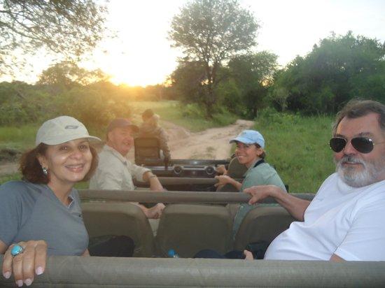 Tydon Bush Camp : Game com o nascer do sol