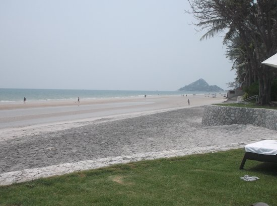 Hyatt Regency Hua Hin : The beach-south