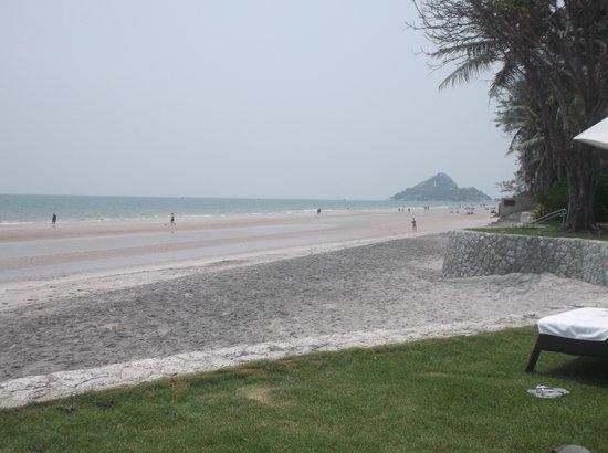 Hyatt Regency Hua Hin: The beach-south