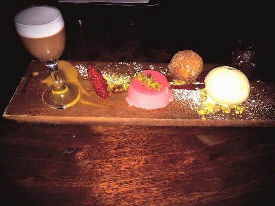 Rustico Tapas & Wine Bar: Deserts tastings plate YUMMO !