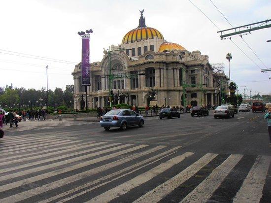 Palacio de Bellas Artes: Vista fronatl.