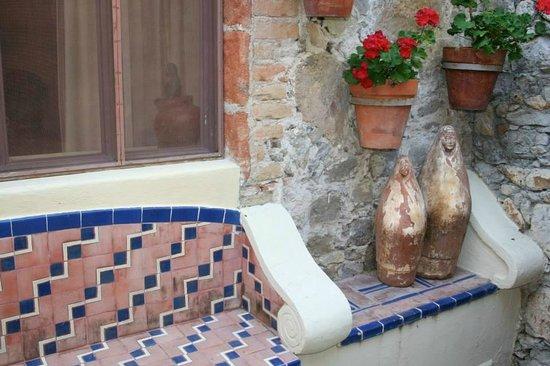 Las Terrazas San Miguel: Private entrances to the suites
