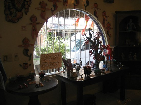 Lucy's CuCu Cabaña: Another look out the curvy window from the inside.