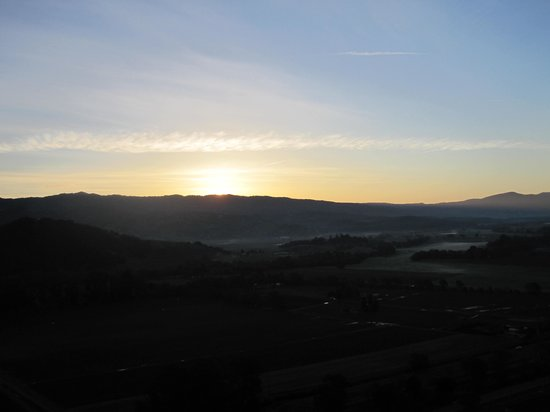 Napa Valley Balloons, Inc. : Sunrise over the mountains