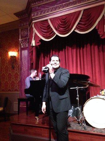 Walnut Street Supper Club: Waiters as well singers made our night amazing. We spent a really great time with delicious food