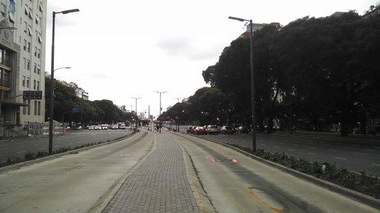 Avenida 9 De Julio : -
