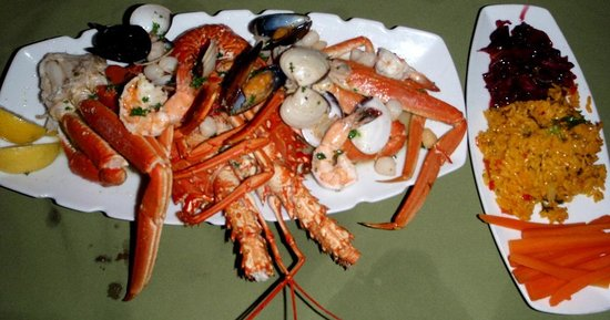 Rock Lobster : Seafood combo plate is enough to share!