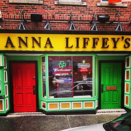 Anna Liffey's Outside