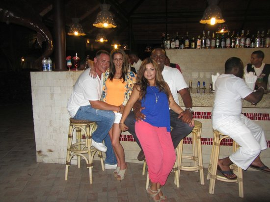 Majestic Elegance Punta Cana: Main outdoor bar