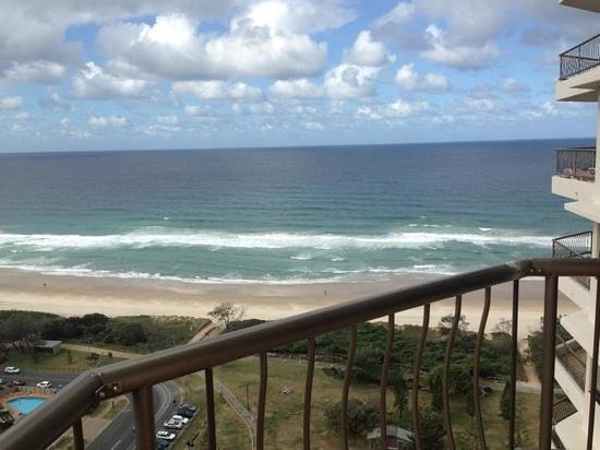 ULTIQA Beach Haven on Broadbeach: beach view room 24c