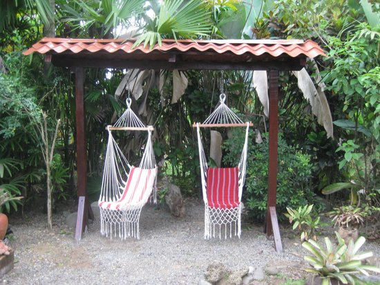 El Encanto Inn : New seating area