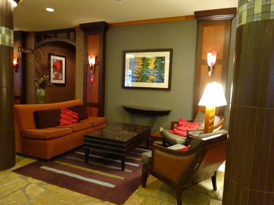 Harrison Hot Springs Resort & Spa: Beautiful spaces in the hotel where you can relax.