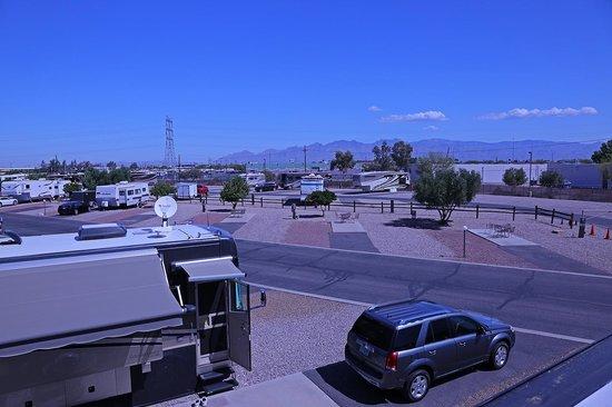 Tucson/Lazydays KOA: Campground