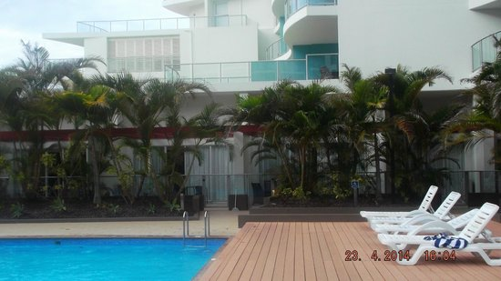 Oceans Resort & Spa: Looking at our Ground Floor Apartment with Courtyard