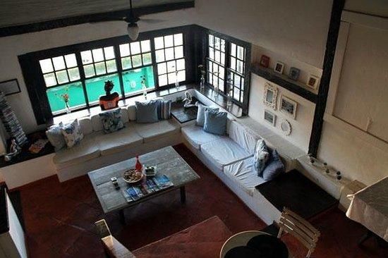 Pousada do Centro Leste: Sala de estar donde se puede ver películas o jugar a las cartas
