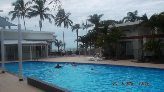 Oceans Resort & Spa: View from Poolside