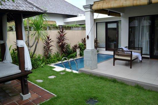 Transera Grand Kancana Villas Bali: Piscine de la villa
