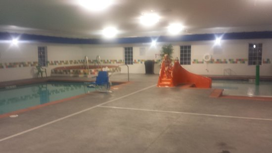 La Quinta Inn & Suites Rochester: Pool room