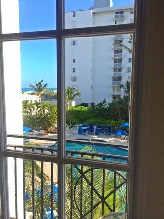 The Savoy Hotel : Room 210: view from Balcony #2 ocean/pool
