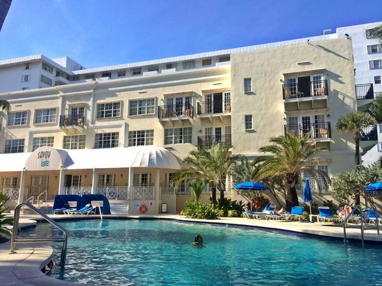 The Savoy Hotel: Savoy: view from poolside